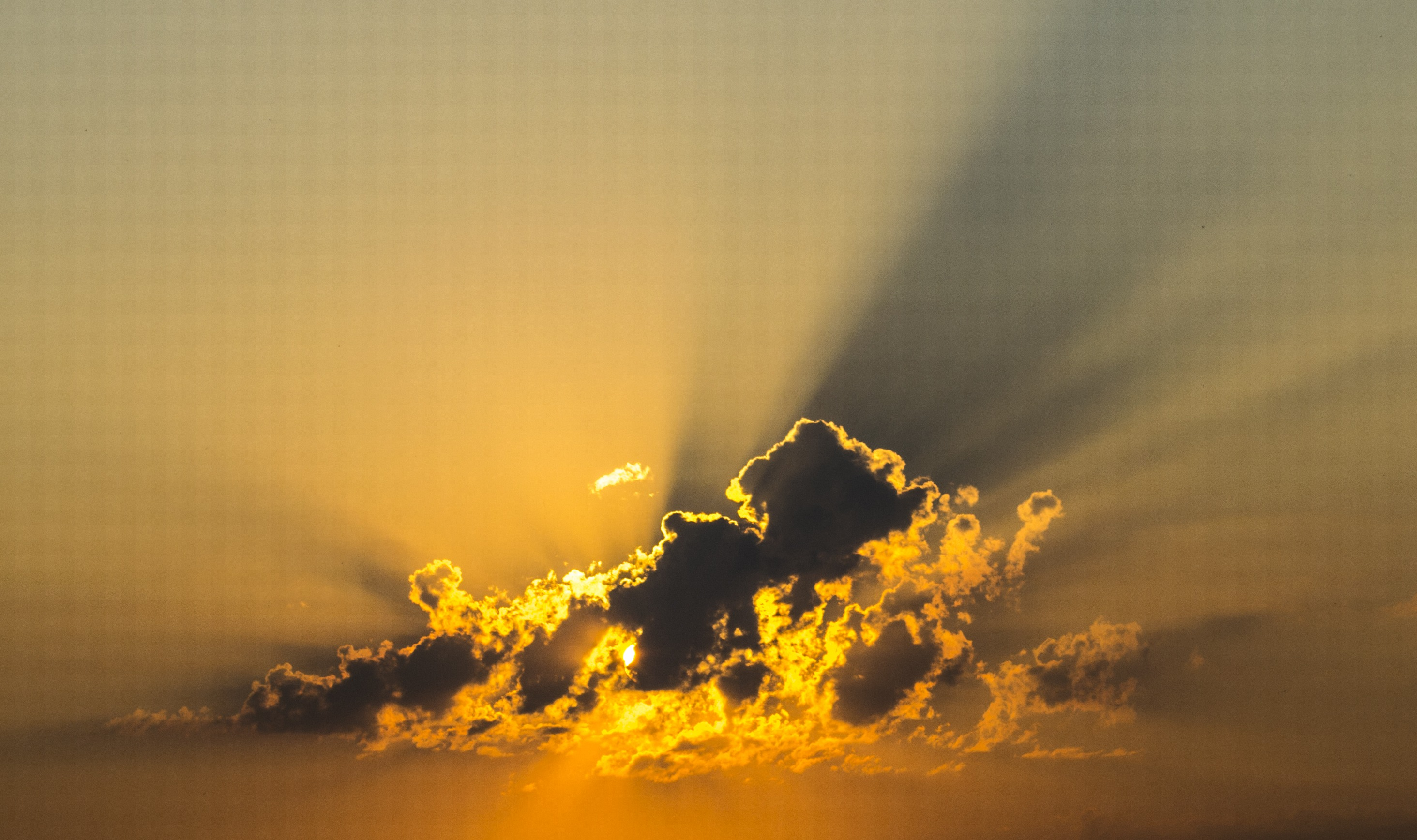 cloud-143152.jpg