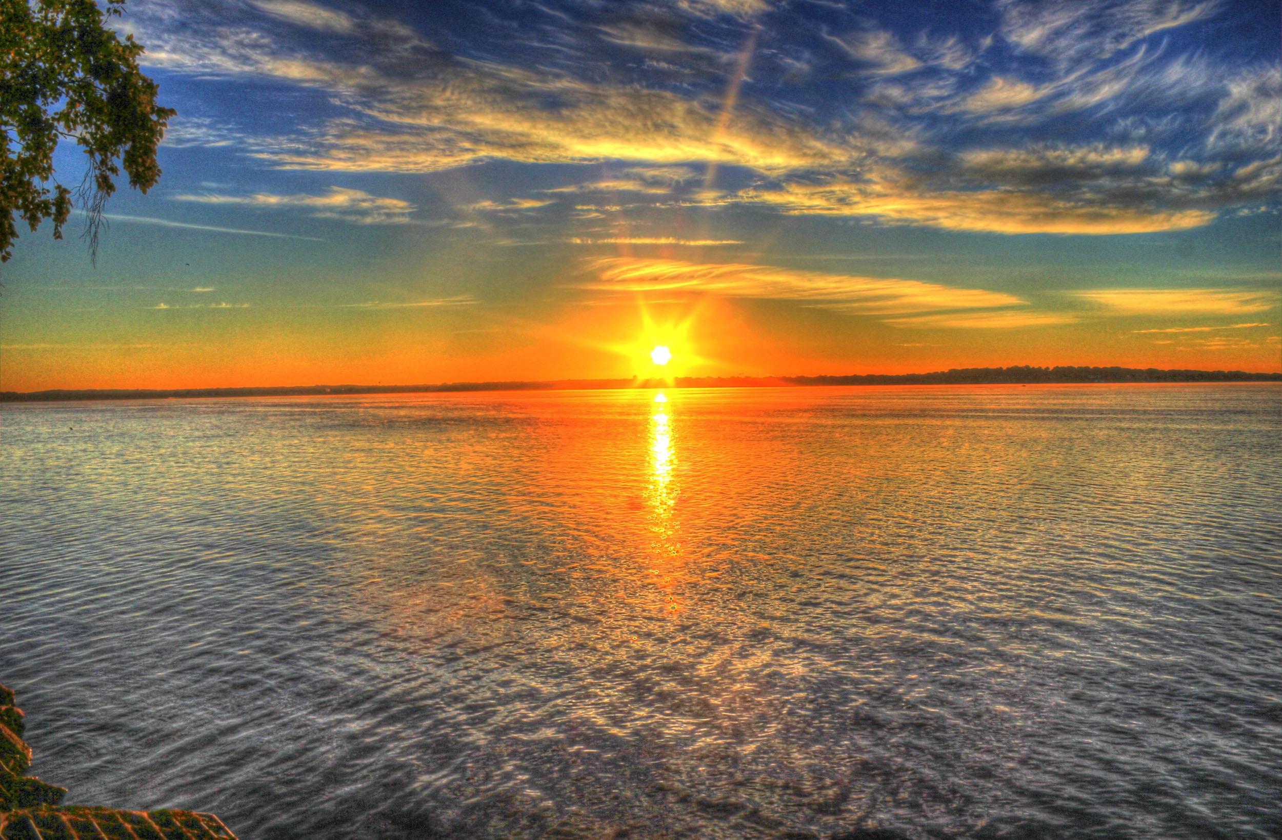 sunrise-182302.jpg